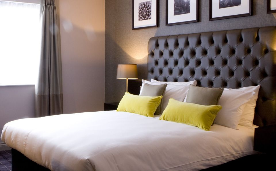 Stylish Hotel and Pub for Hale Barns and Manchester Airport